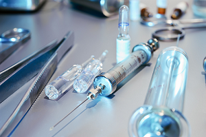 Drug-Device Combination Market Overview and Segmentation By Top Companies Abbott, Medtronic, Smith & Nephew, Boston Scientific, GSK , BD, Johnson & Johnson, Novartis, Bayer, Baxter International Inc.,
