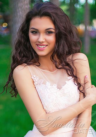 AnastasiaDate Invites Members to Celebrate World Tourism Day on September 27 by Swapping Hometown Photos with their Matches