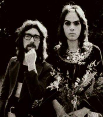 "Steve Hackett of Genesis, Has a ""Revelation"" About Bandmate Peter Gabriel"