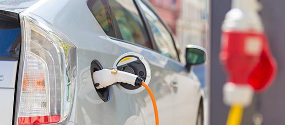 ELECTRIC VEHICLE MARKET: OPPORTUNITIES AND CHALLENGES
