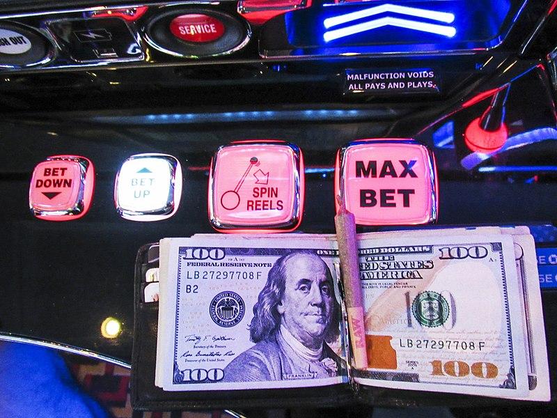 CBD Shops Seek Alternatives to Cash Payments
