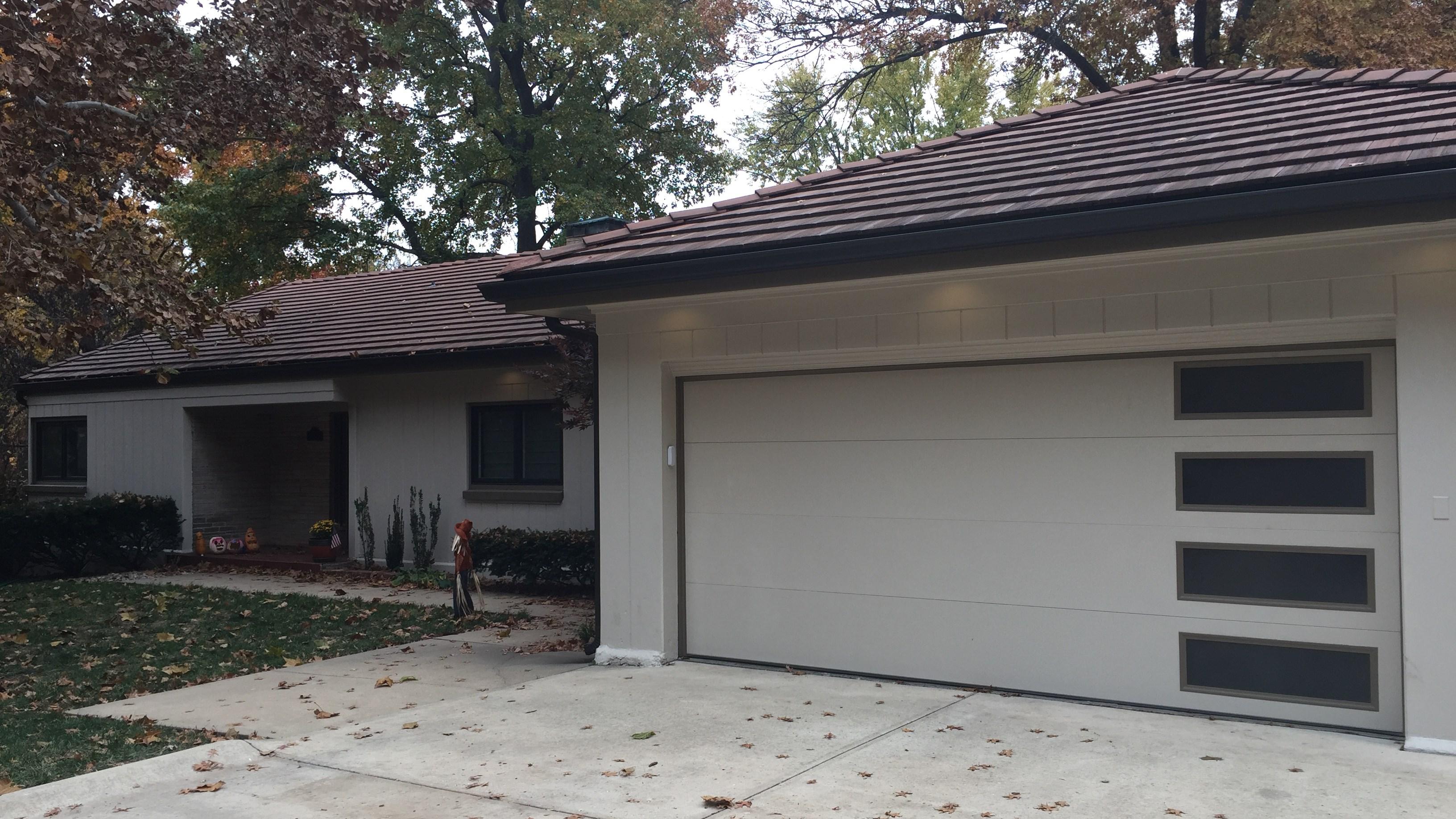 Delden Garage Doors Adds Flush Panel Option to Residential Model DTR-3000