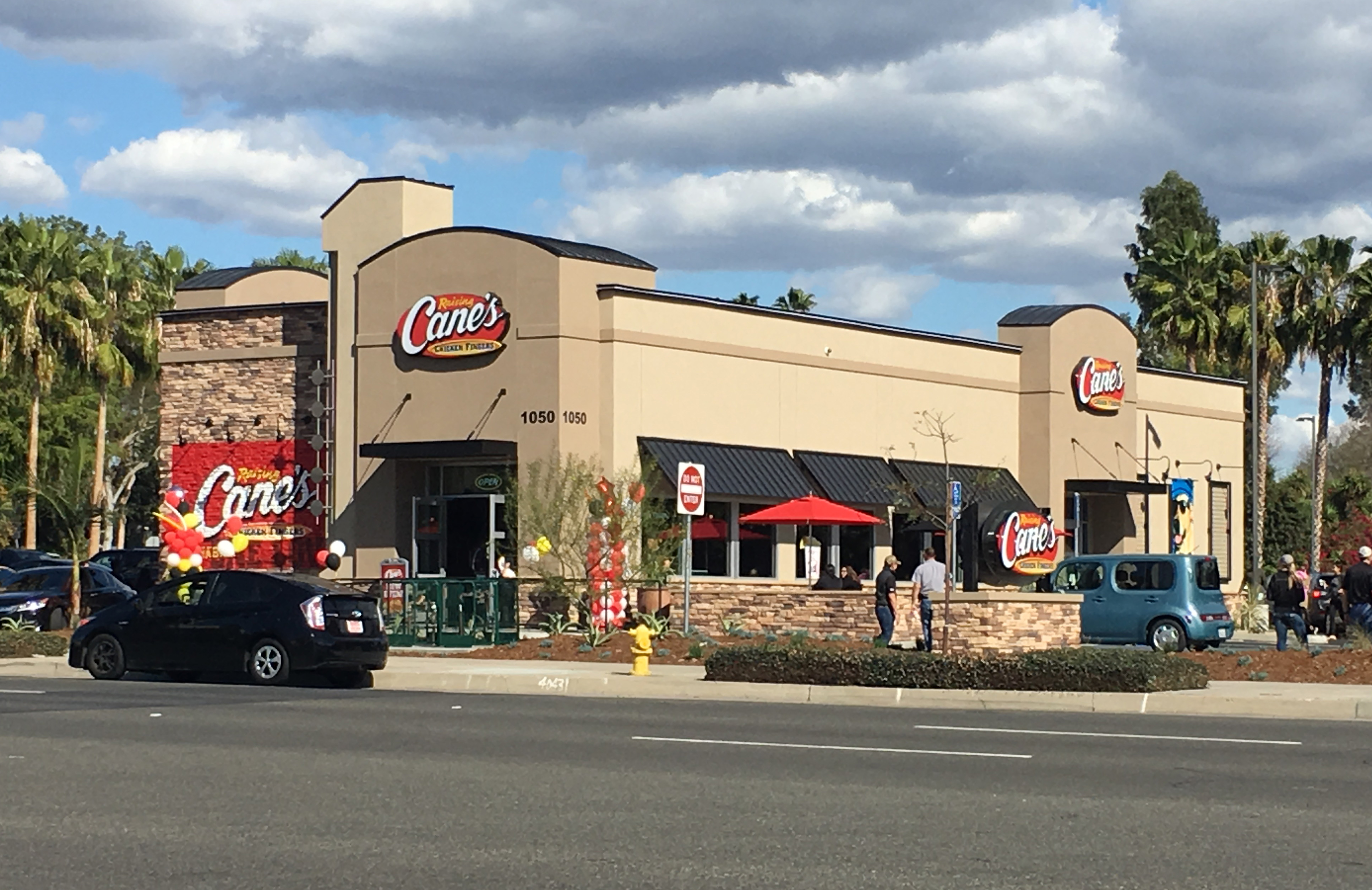 Hanley Investment Group Arranges Sale of New-Construction Single-Tenant Raising Cane's in St. Louis to Southern California Buyer for $5.03 Million