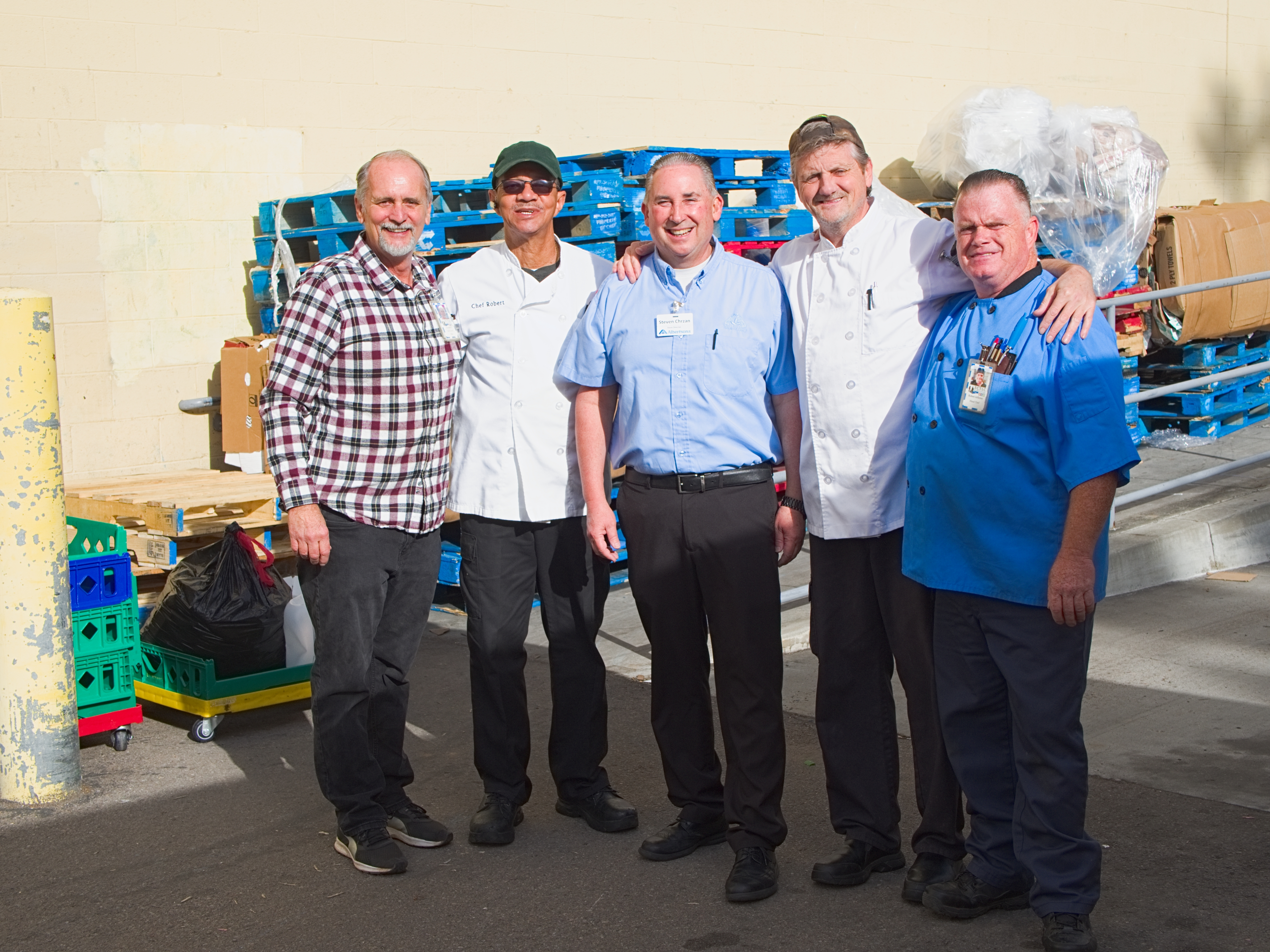 Albertsons Donates Enough Food to Feed Four-Hundred People