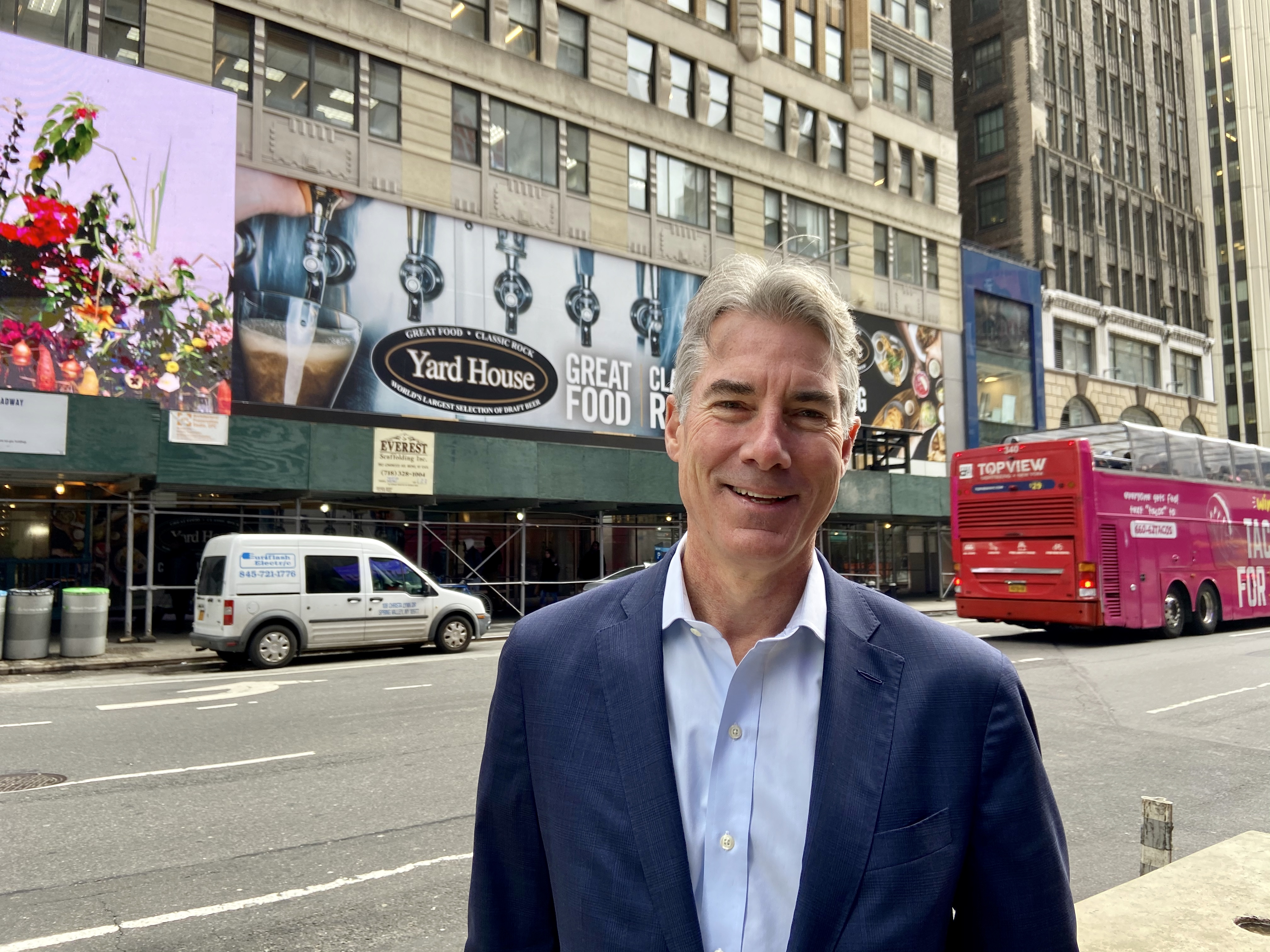 Yard House Leases Retail Space at L.H. Charney Ten Times Square Building in NYC