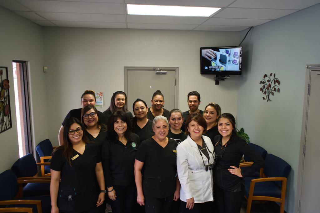 Dentist El Paso TX Advises The Public To Use Trustworthy Teeth Whitening Methods