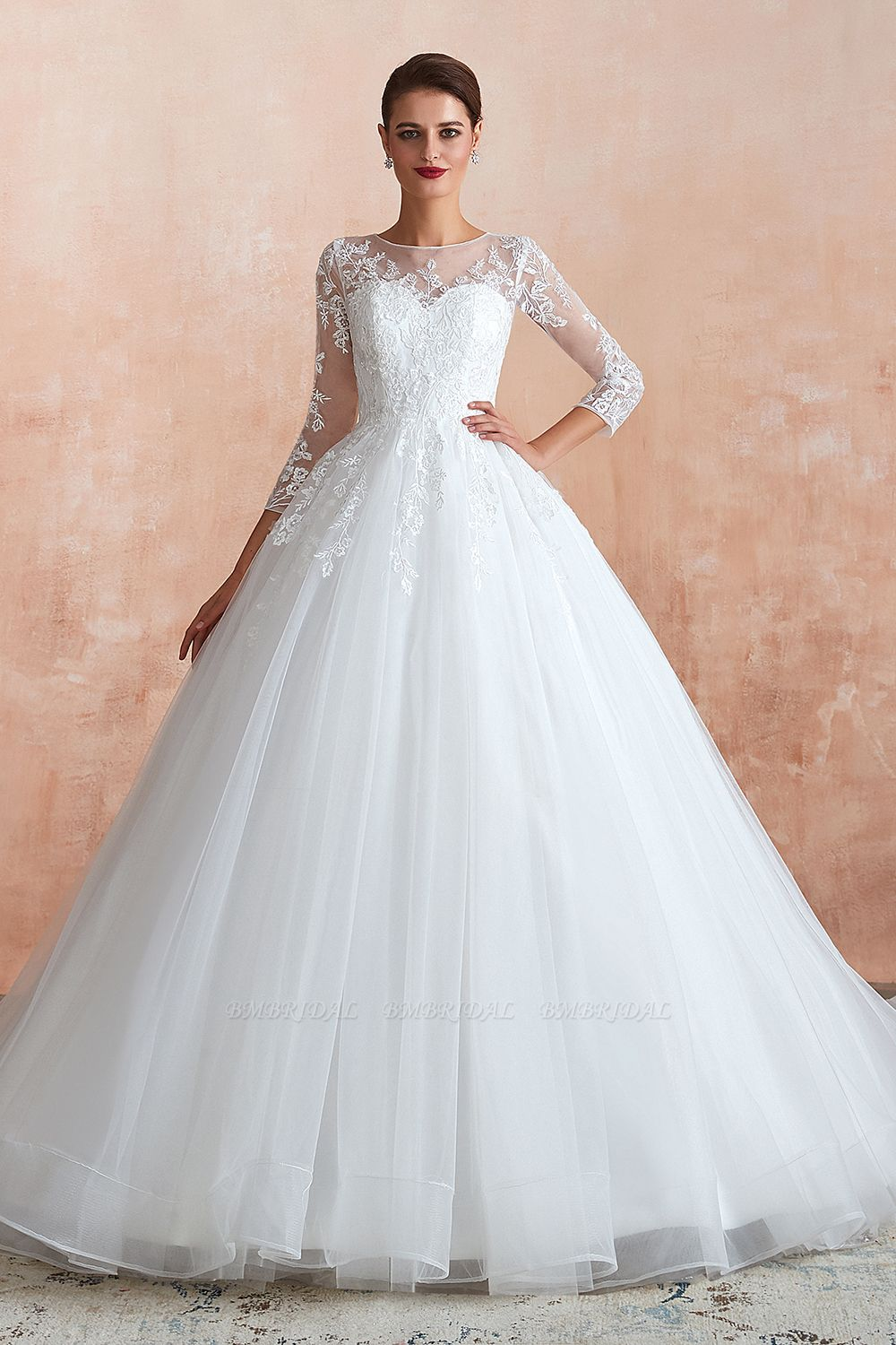 Tips for Choosing The Seasonal Styles of Wedding Dresses for The Big Day