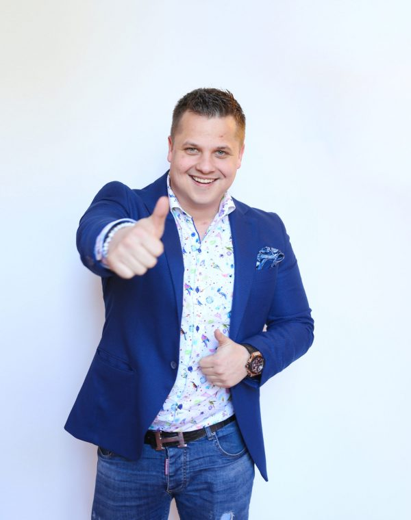 Dennis Loos Coaching & Consulting GmbH, Coaches its Clients to take their Business to the Next Level With Social Media Marketing