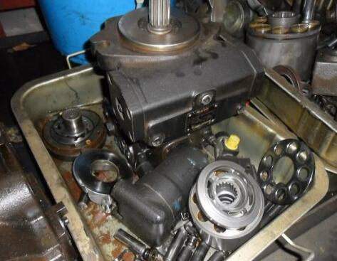 Adjust of Hydraulic Pump - The inspection and maintenance of the hydraulic pump
