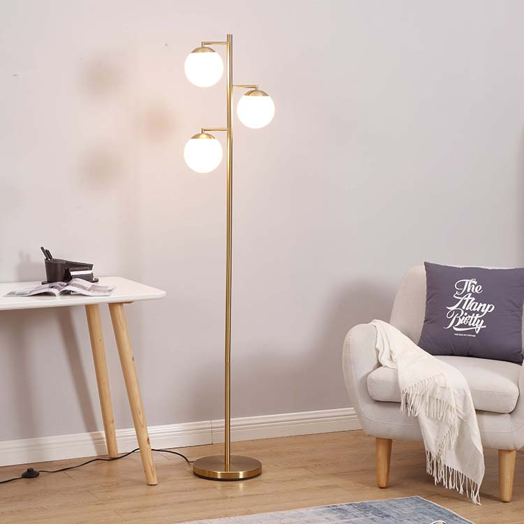 The Best Way to Change A Halogen Floor Lamp Bulb