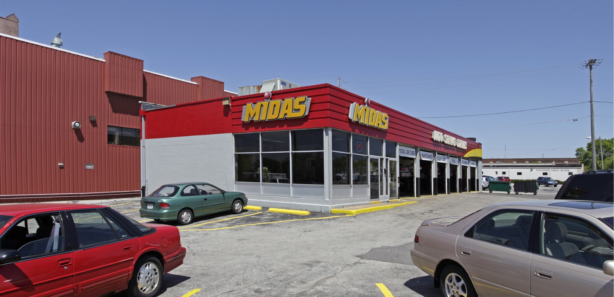 The Boulder Group Arranges Sale of Net Leased Midas property