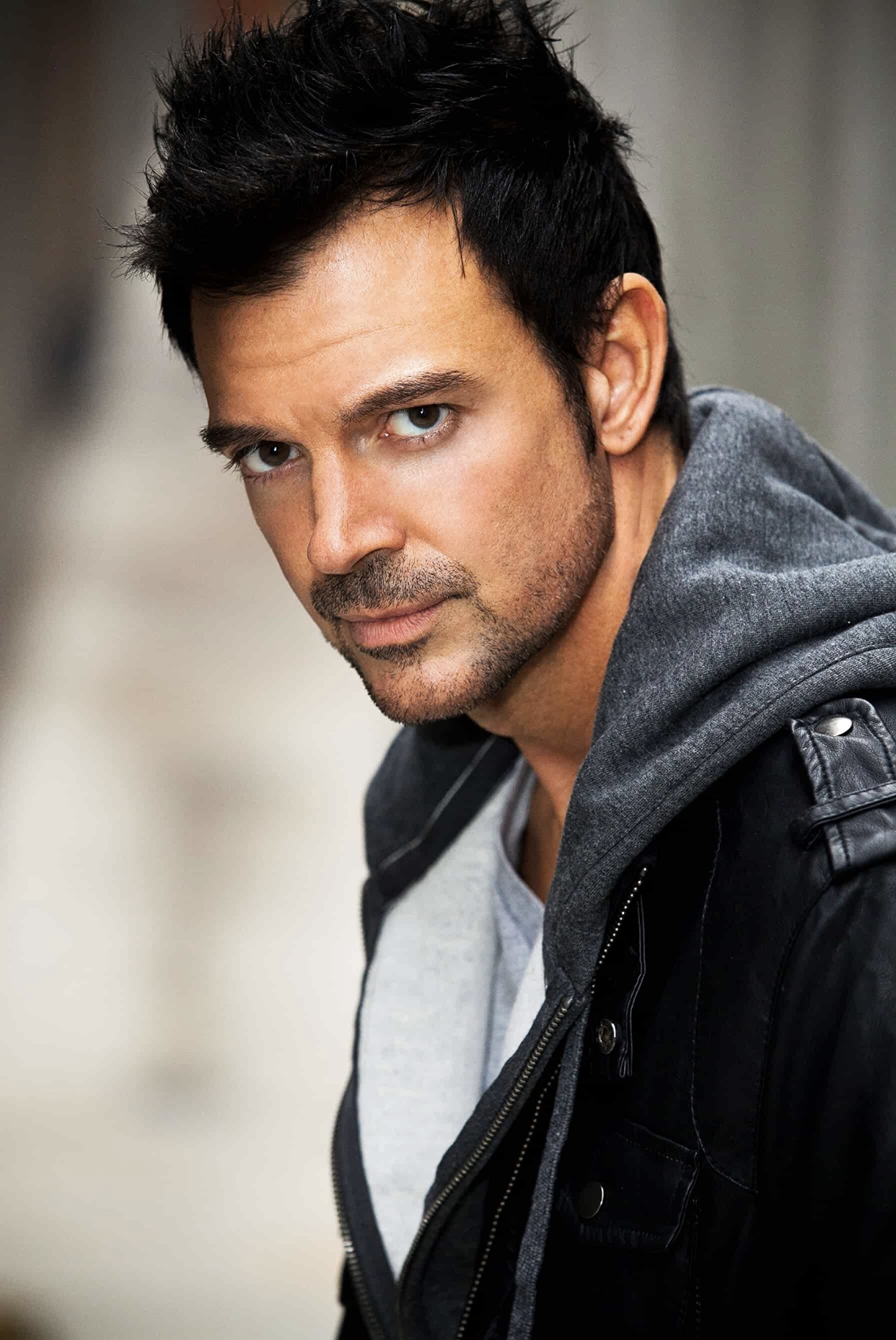 "Talented Actor, Eric St. John, Stars In A New Movie ""De Gringo A La Tumba"""