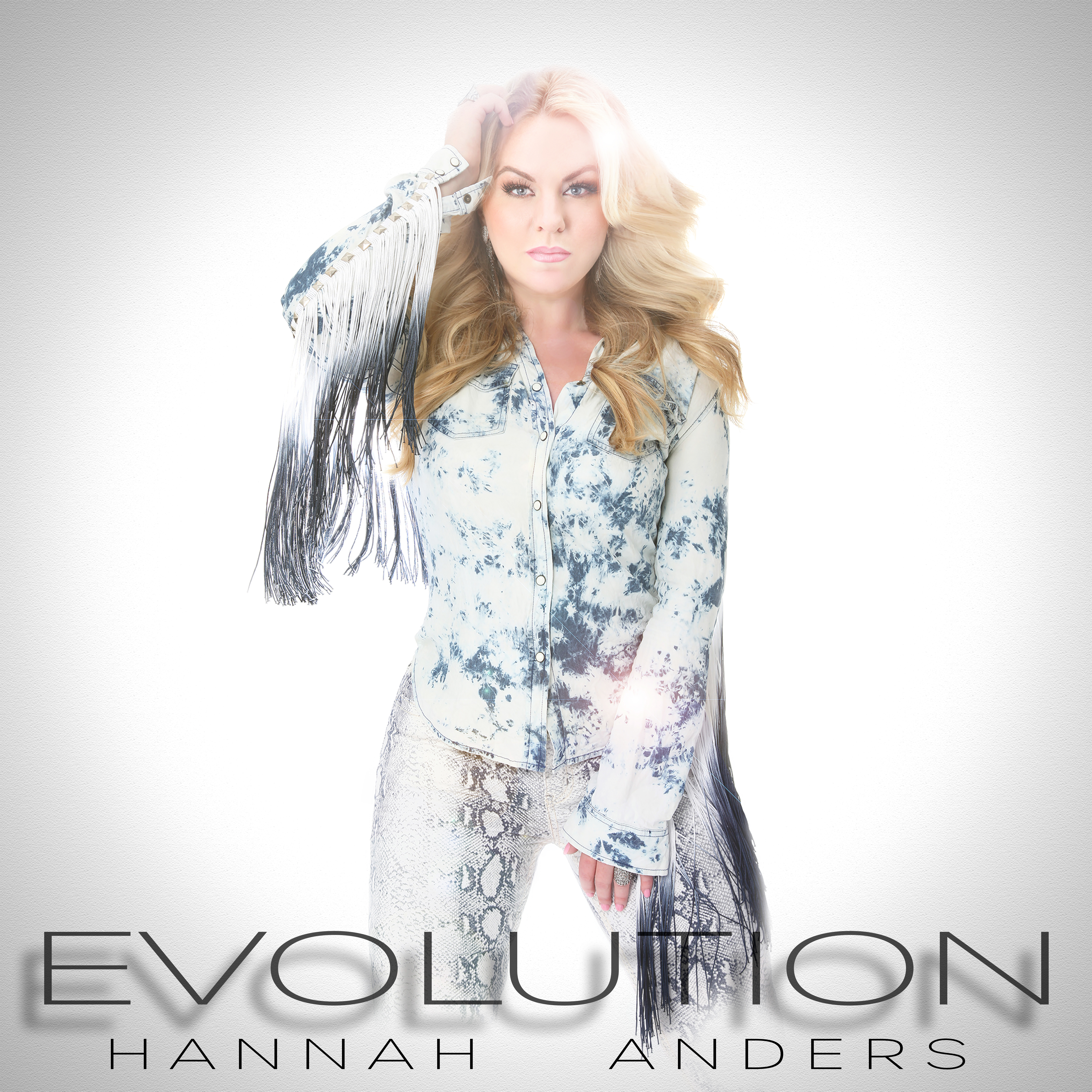 "Hannah Anders Releases New Album ""Evolution"" Available for Pre-Order"