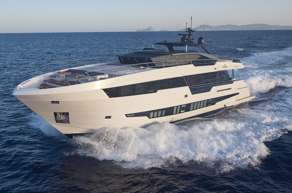 """Asia Boating Introduces the """"Astondoa 100 Century"""", a Yacht Popular in Hong Kong"""