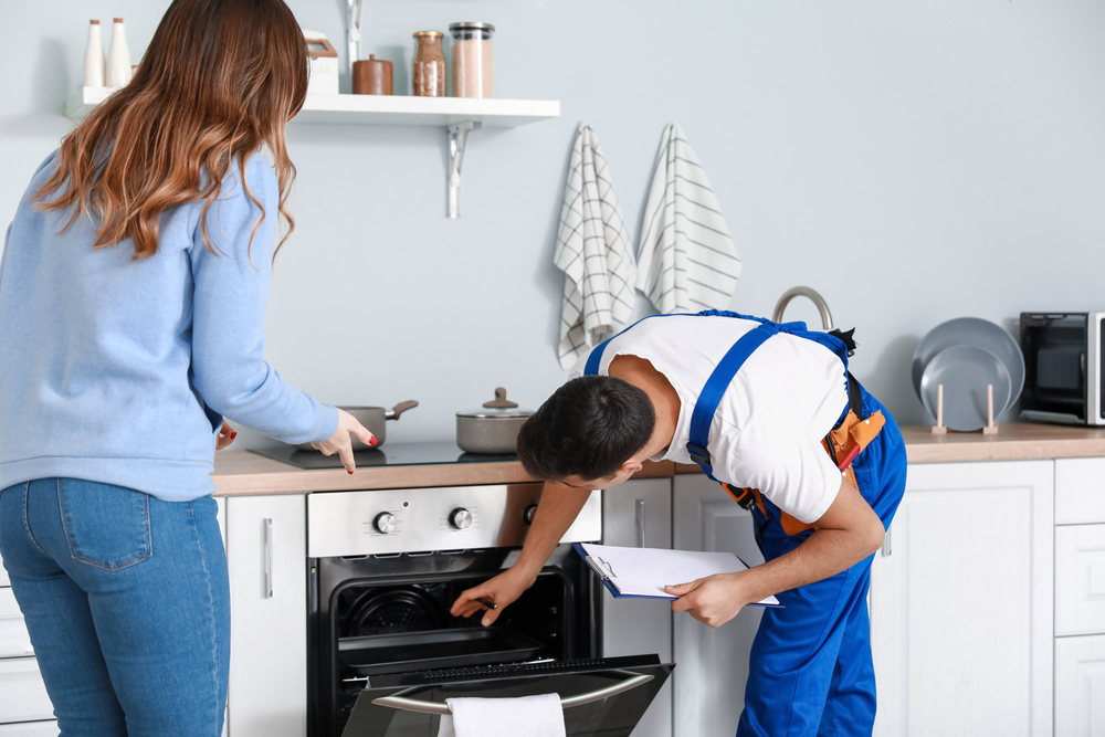 Hire Toronto's Best And Experienced Oven Repair Mechanics