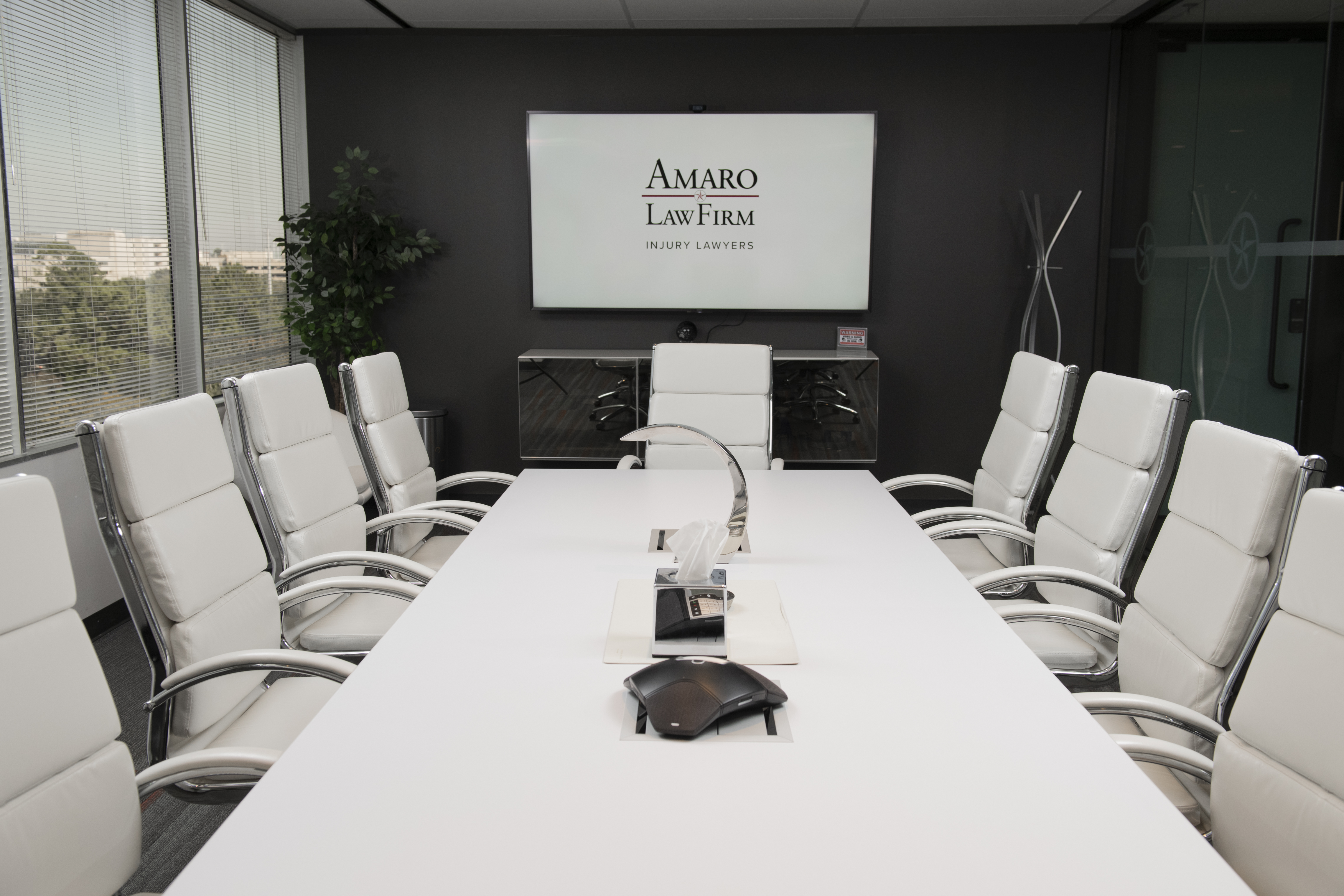 Amaro Law Firm Offers 100% Virtual Consultations for Accident Victims in The Woodlands