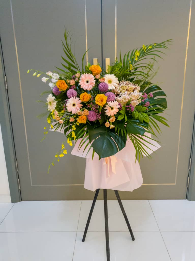 People in Kuala Lumpur can now send the grand opening flower stand as a message of congratulation.