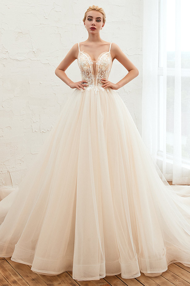 How to Choose a Gorgeous Wedding Dress When Buying Online