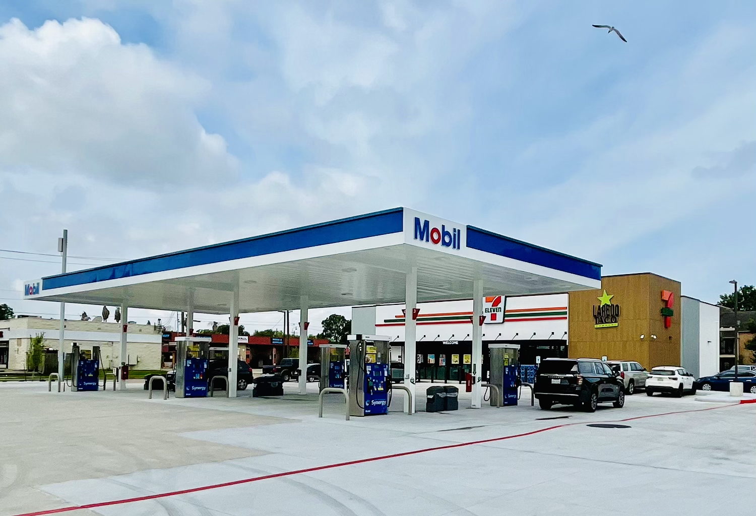 RealSource Sells New Construction, Single-Tenant 7-Eleven with Fuel Station and Laredo Taco Company in Houston