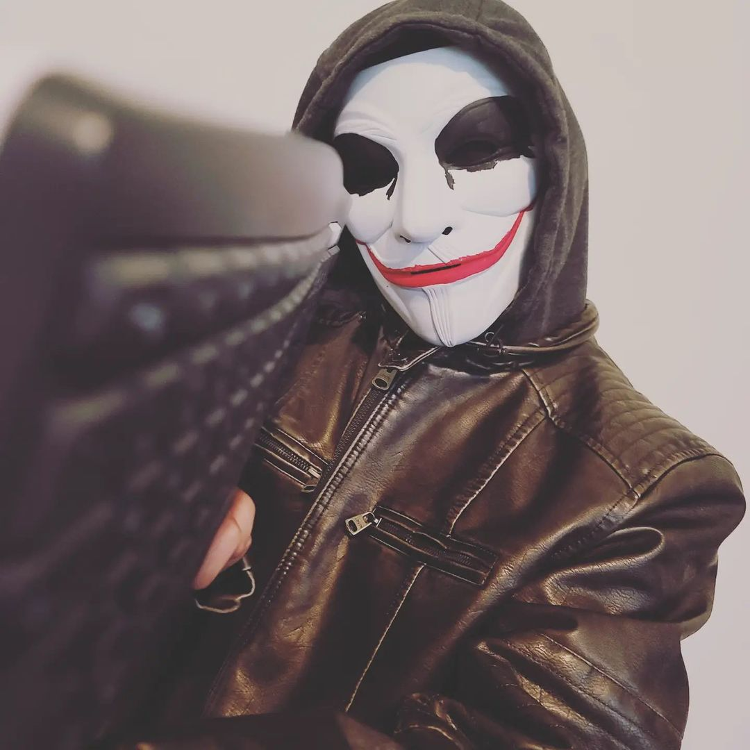 Meet The Great Londini, The Internet Sensation Exposing Cyber Trolls With Its Mascot 'The Masked Vigilante'