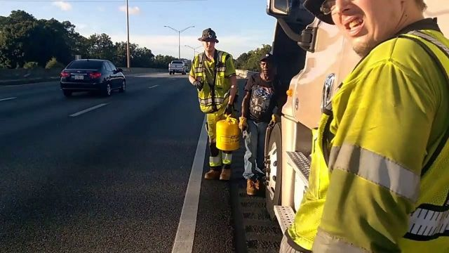 A-HESSCO Roadside Assistance and Towing Innovations Upgrades Their Metered Diesel Fuel Delivery Service in Jacksonville, Florida to 100 Gallons Per Delivery