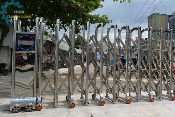 Tan Thanh Long Establishes Itself As The Market Leader In The Stainless Steel And Aluminium Gates Industry.
