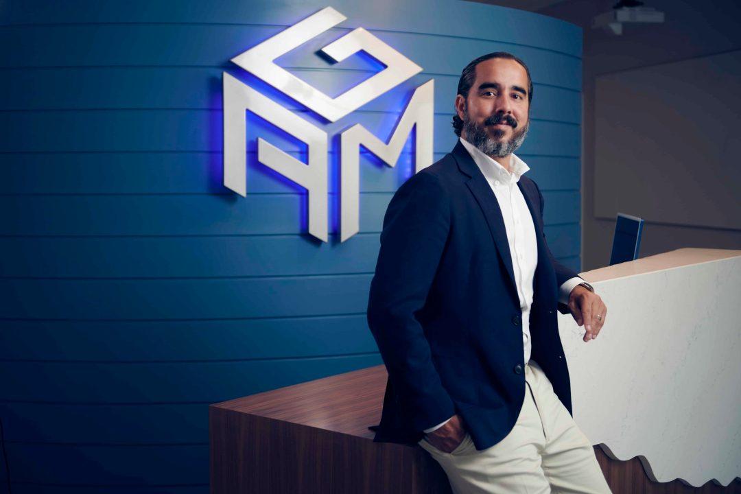 Attention Grabbing Media CEO Manuel Suarez Speaks at Traffic & Conversion Summit
