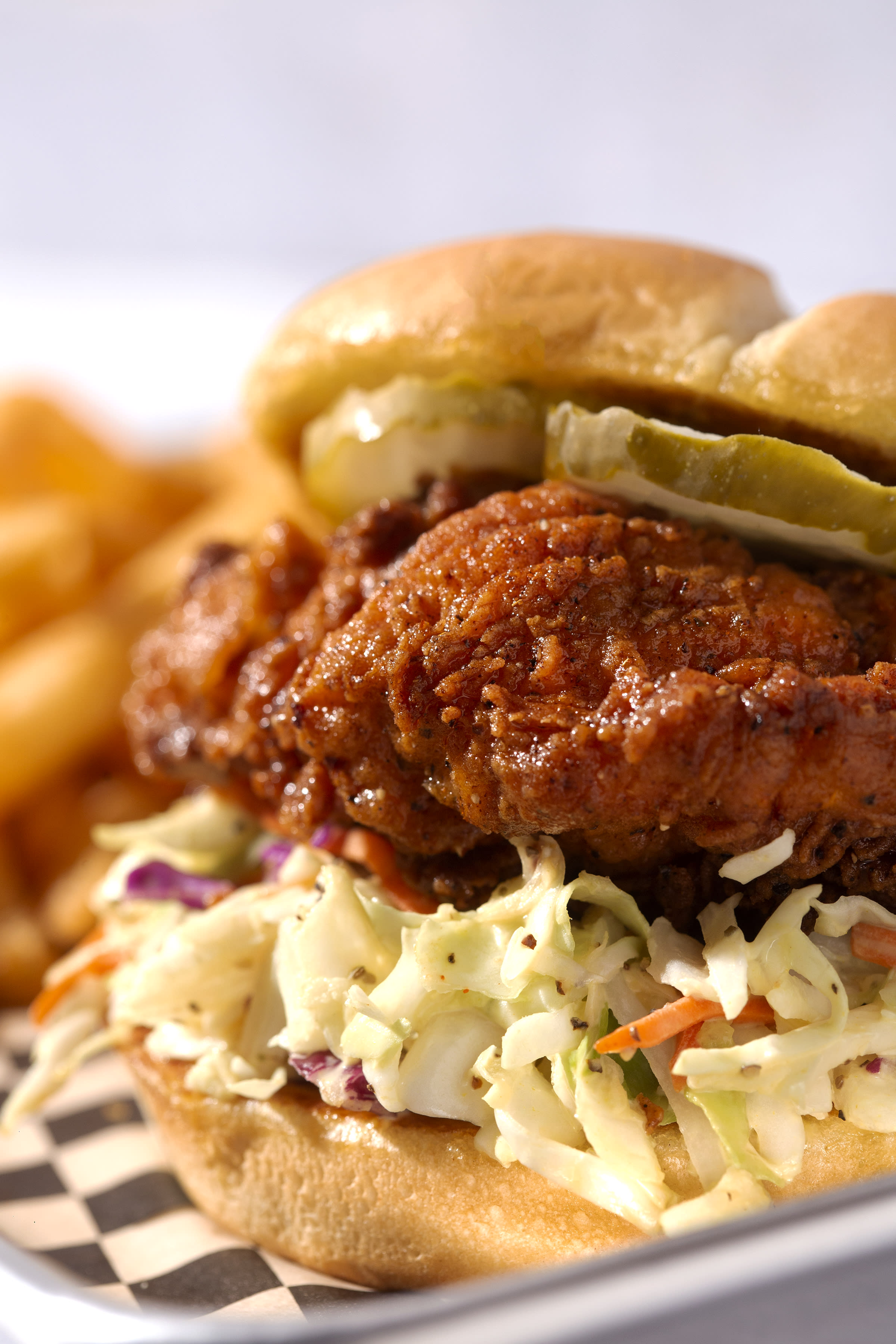 Clucks Nashville Hot Chicken Will Open on October 15, Bringing a Unique and Delicious Menu