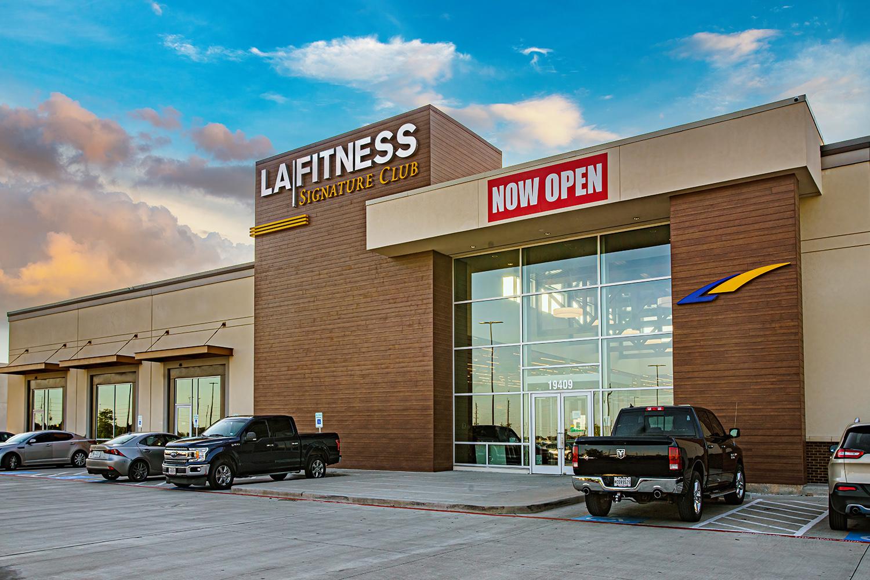 RealSource Arranges Sale of New Single-Tenant LA Fitness in Houston Metro, 6.60% Cap Rate