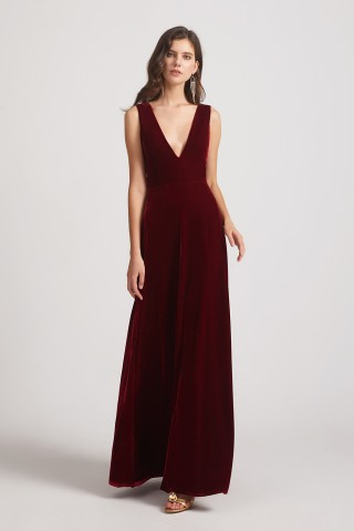 https://alfabridal.com/collections/velvet-bridesmaid-dresses/products/deep-v-neck-straps-ruched-long-sleeveless-velvet-bridesmaid-dresses