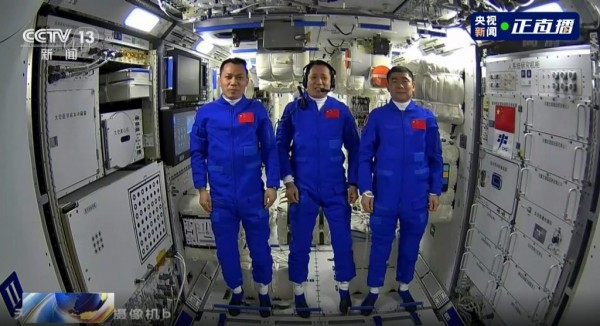 Shenzhou 12 goes to space